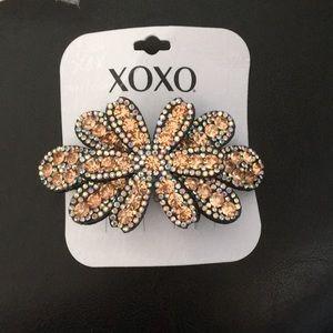 New XOXO Glam Hair Clip Crystal adorned